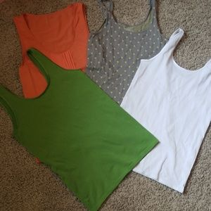 4 The Limited seamless tank tops size Large